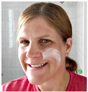 1 Heart, 1 Family's Jennifer Van Huss shares about how Cetaphil fits Into her daily skin routine